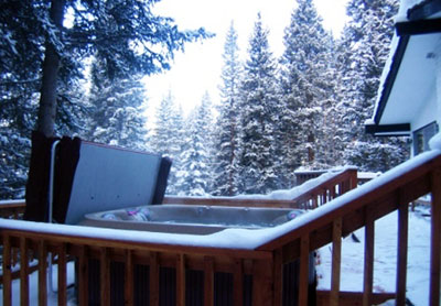 hut tub in the snow breckenridge colorado